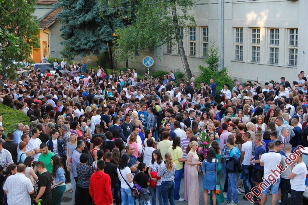 """Maturanti JU centar """"Sunce"""", Ugostiteljsko-ekonomske i Elektrotehničke škole Prijedor, 29.05.2015."""