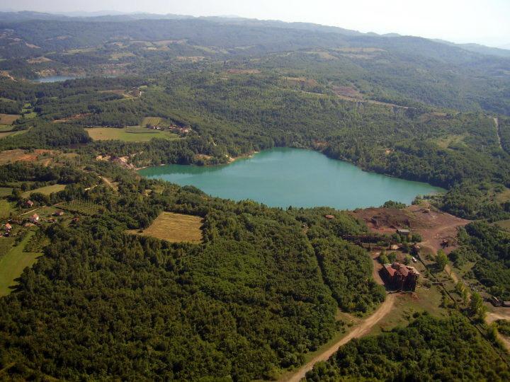 jezerotomasica