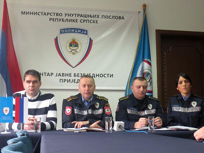 23-Prijedor---nacelnik-CJB-Dalibor-Ivanic-sa-saradnicima