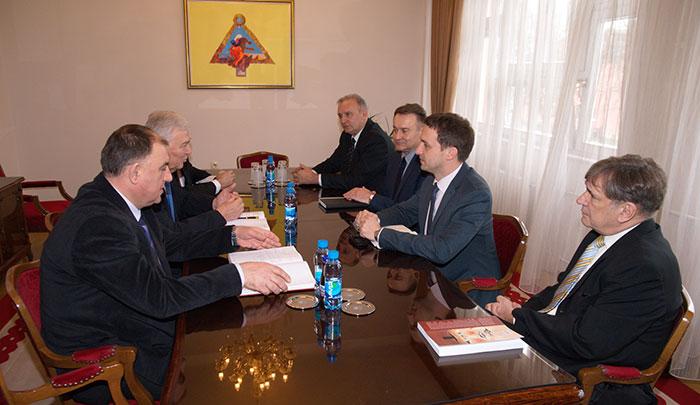 16-Prijedor---gradonacelnik-Marko-Pavic-sa-celnicima-Sisacko-moslavacke-zupanije-i-hrvatskog-konzulata-u-Banjaluci