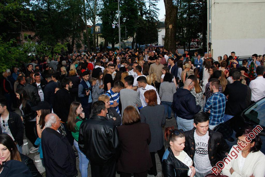 """Maturanti Gimnazije """"Sveti Sava"""" Prijedor, 17.05.2016."""