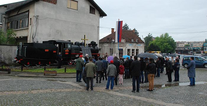 Porodice i kolege poginulih željezničara