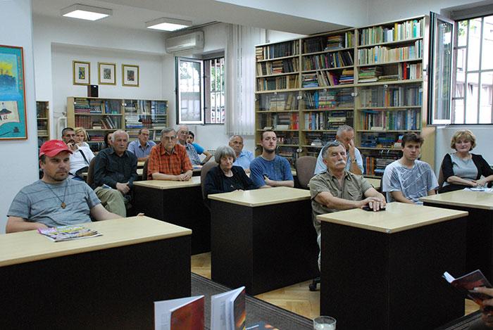 11-Prijedor---promocija-knjiga-o-Jasenovcu-u-gradskoj-citaonici