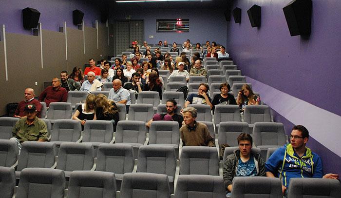 13-Prijedor---publika-na-otvaranju-Dana-austrijskog-filma