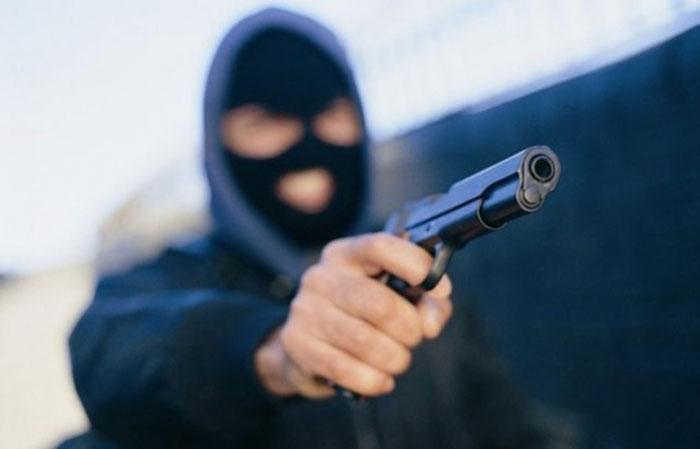 pljacka pistolj lopov razbojnik provala