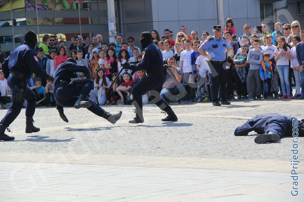 Pokazna vježba policije, Prijedor, 03.04.2017.